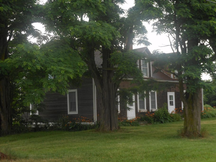 Front of the Brown House on Prindle Farm