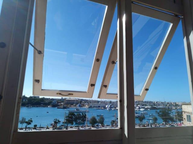 Melite Rooms - Sea View