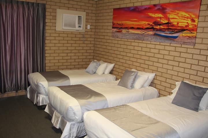 Carnarvon Motel Family Room