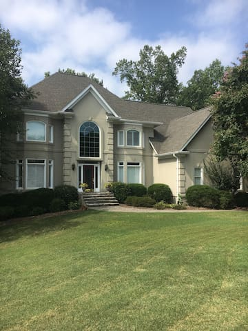 Sedgefield Home Close To Int 39 L Furniture Market Houses For Rent In Greensboro North Carolina