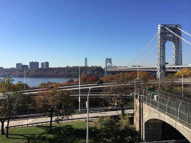 Day time view of the Hudson River & the George Washington Bridge