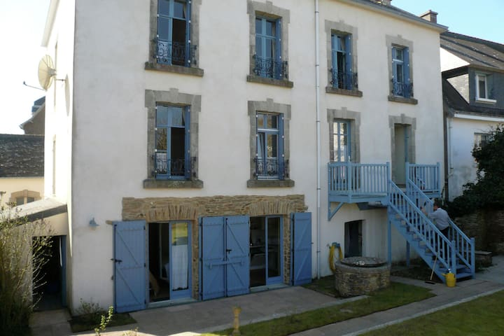 Apartment about 100 metres from the Atlantic Ocean to the south of Brittany.
