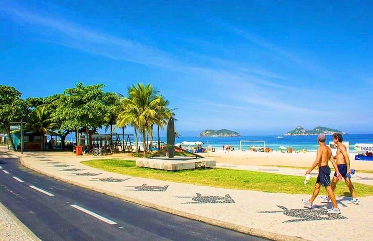 (B) Beach Apartments - Go Make A Trip