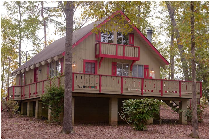Country Setting Cabin!! Three Bedroom #14 - Not Pet Friendly