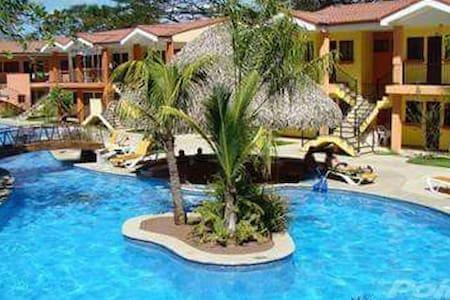 Condominio en la playa. - San Rafael - Villa