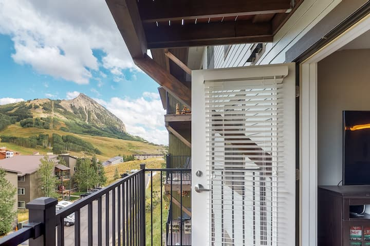 The Timbers Condo- Great Mountain Views & Location- Just walk to slopes!