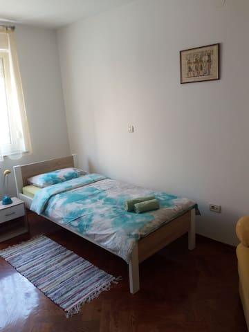 ROOMS CVJETNO NASELJE,VELIKA GORICA - Velika Gorica - Apartment