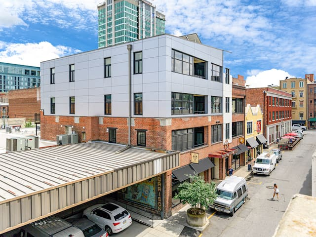 The Rankin Press Loft building is an 2013 historic development project combining 4 old warehouse buildings into one modern condominium complex.