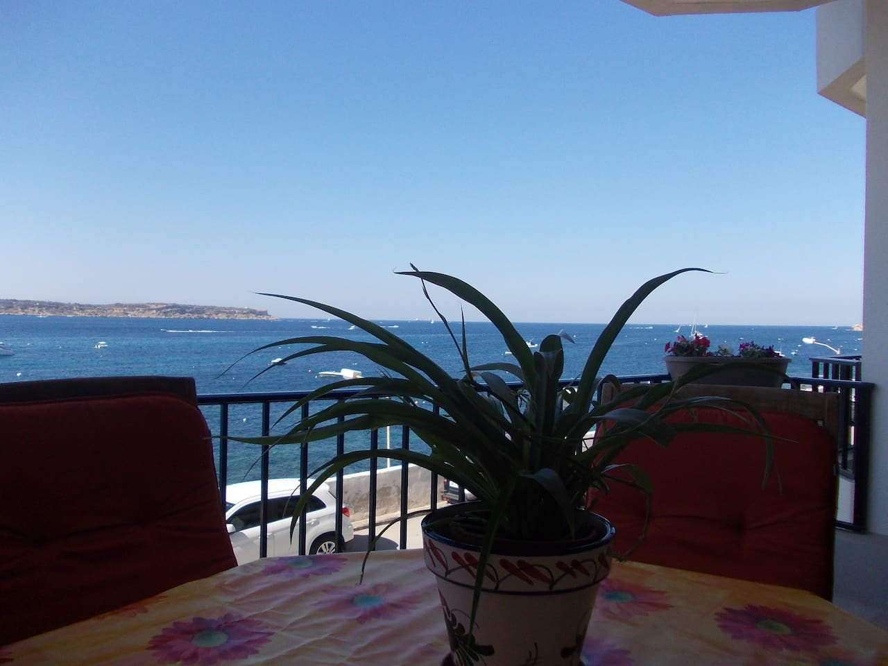 2 bedroom seafront apartment