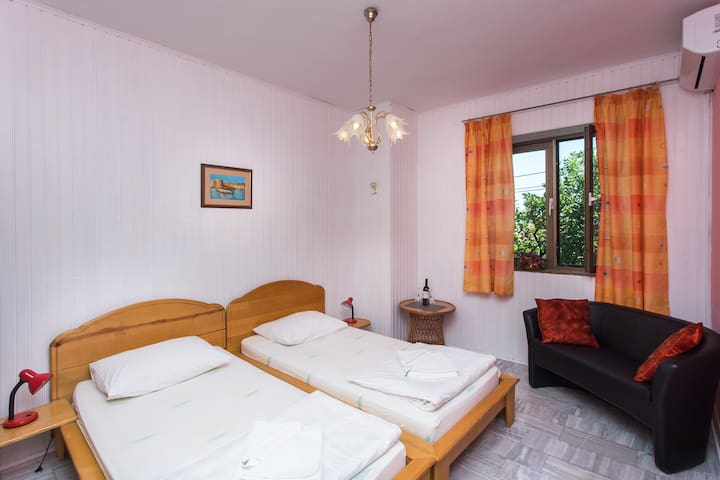 Classic Twin Room with Garden View - Zaton - House