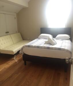 Delightful Private room at Porter Sq3