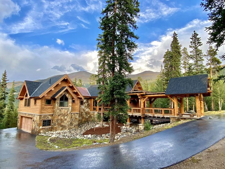 ULTIMATE Colorado Mountain Home Experience! Massive private estate on 11 acres!