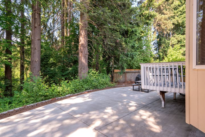 Backyard, BBQ grill (propane tank), with quiet adjacent forest