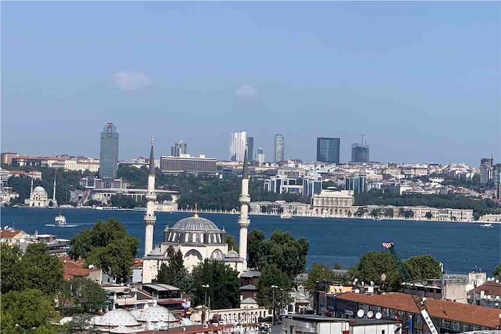 Only female home with amazing bosphorus view