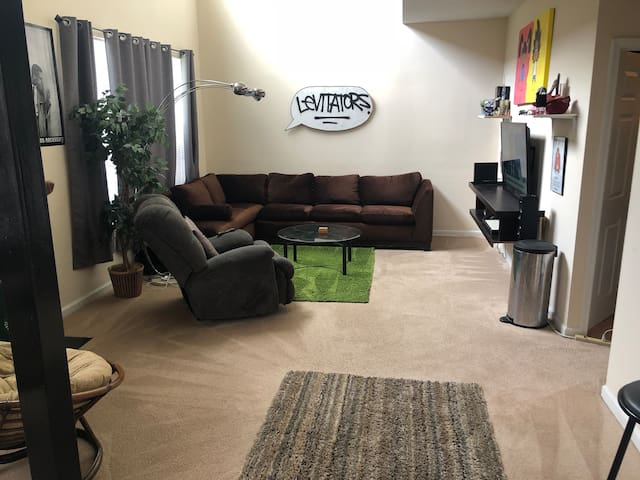 Creative Atlanta loft nearby Suntrust Park