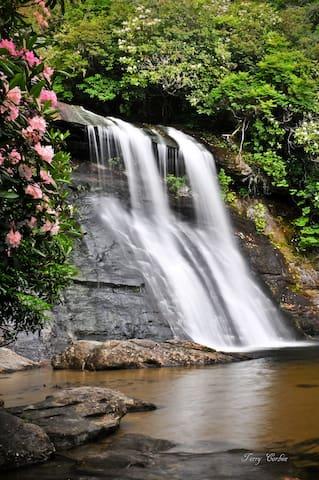 Waterfall Getaway in Cashiers, NC