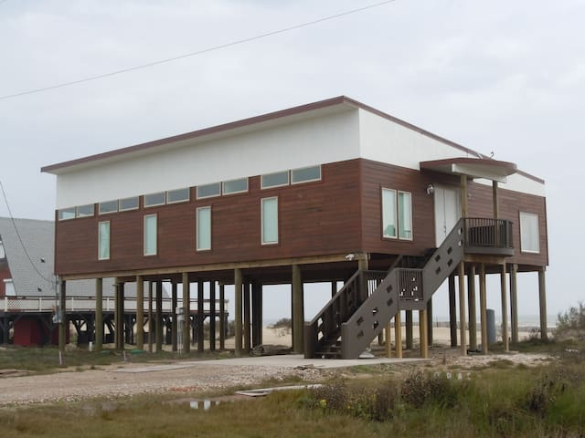 Direct beachfront with great views - Surfside Beach - House