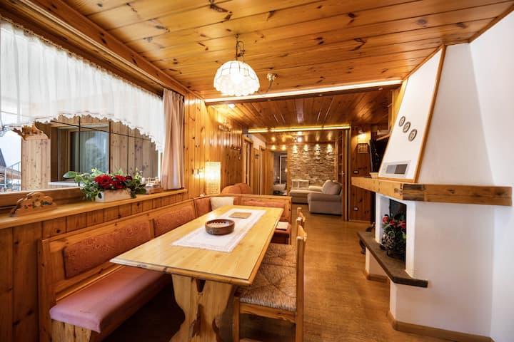 "Charming Apartment ""Majon d'Aisciuda Marmolada"" with Mountain View, Wi-Fi, Terrace & Garden; Parking Available, Pets Allowed"