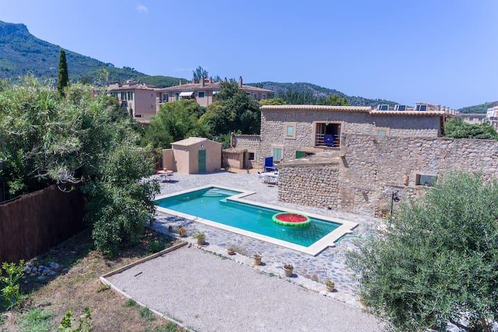 Maison avec piscine : S'hort secret   ETV/10155