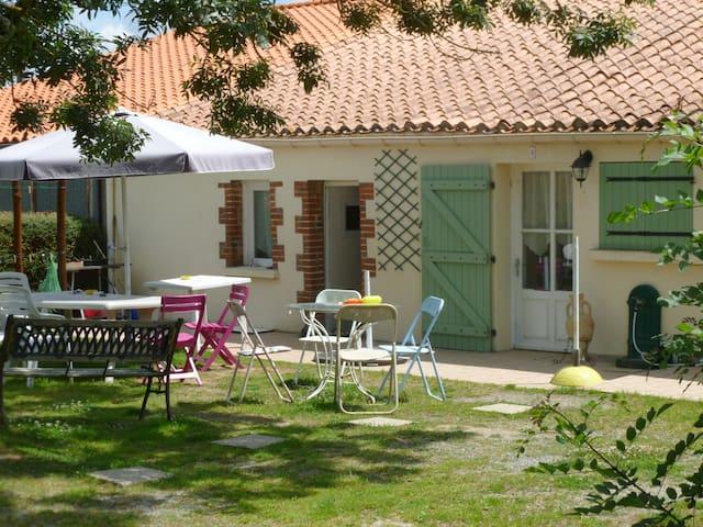 Maison ou chambres proche du puy du fou et plages - Saint-Hilaire-le-Vouhis - House