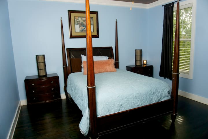 Master Bedroom - Tranquility Room