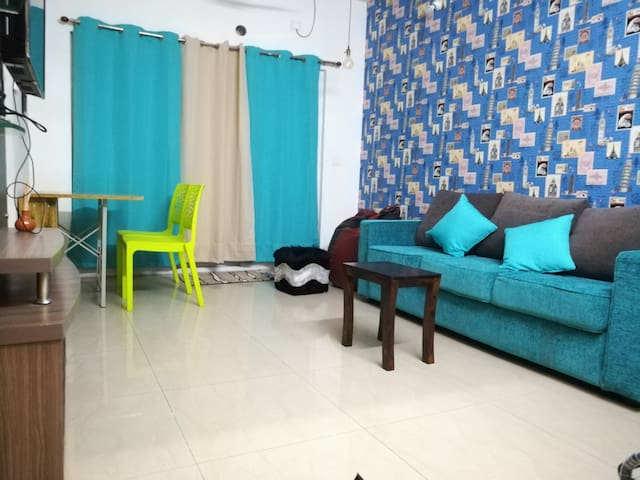 ✈️3.5 km from airport✈️100MBPS⭐Luxurios Condo⭐