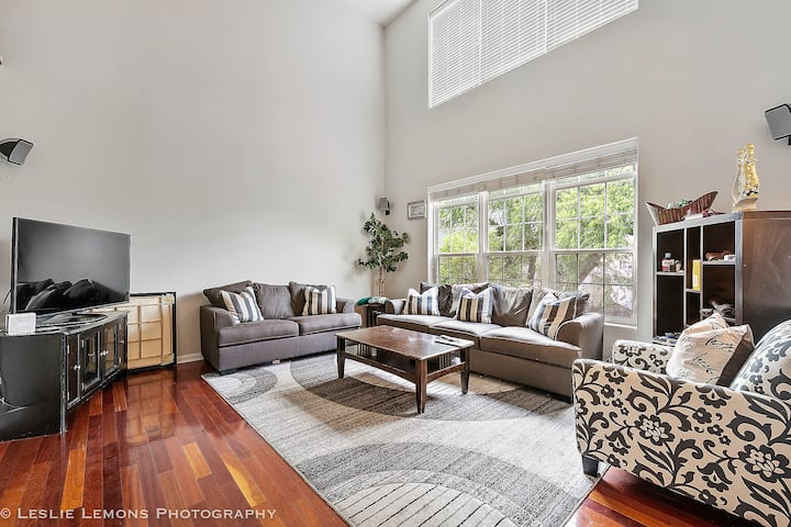 Renovated Spacious 5 BR/3.5 BA/Great for Groups