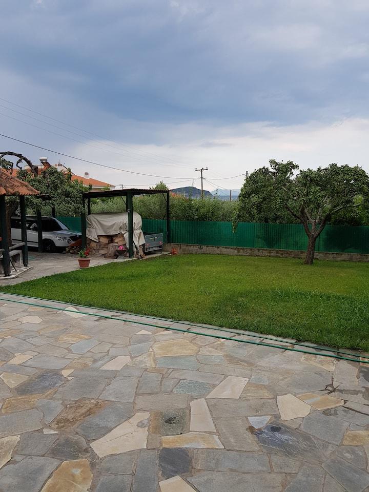 Διαμέρισμα με κηπο