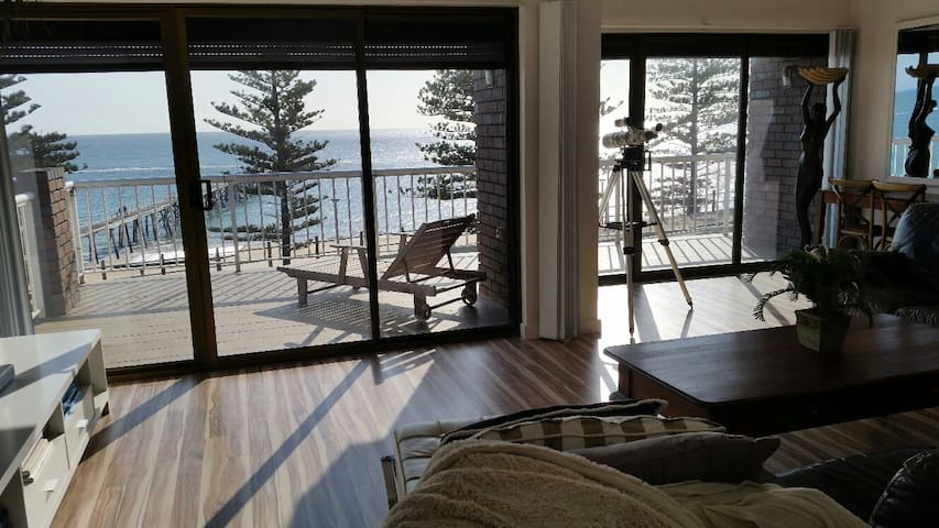 WATERFRONT Port Noarlunga Group Accommodation
