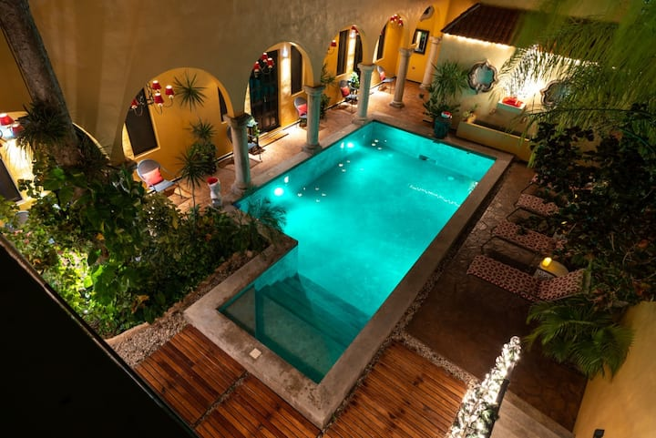 Ochenta y Dos Poolside Room #2