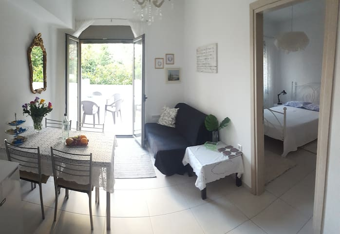 Garden apartment near Knosos - Iraklio - Appartement