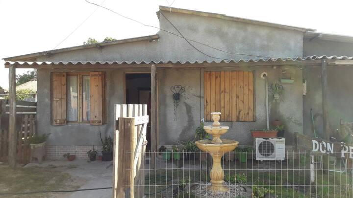 Casa familiar Don Pepe a 4 cuadras del mar