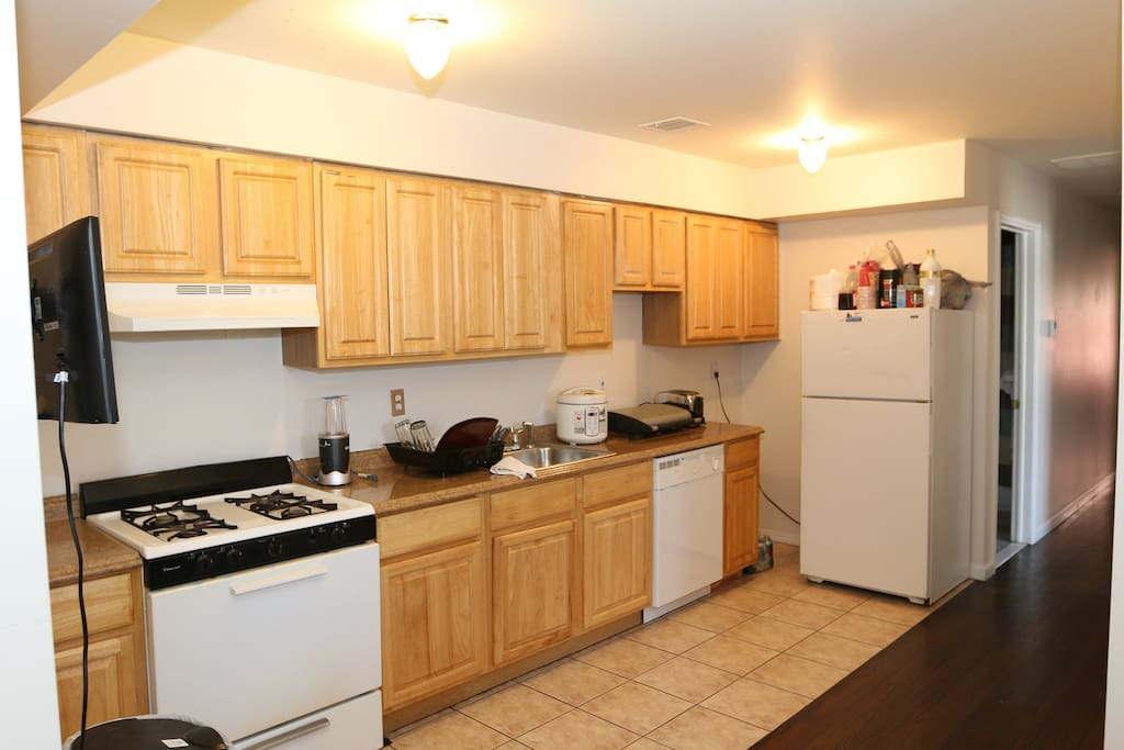 Shared kitchen with plenty of space