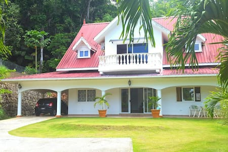Spacious Home in South West Mahe - Baie-Lazare