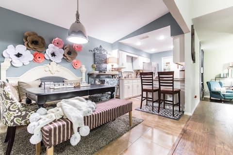 Shabby Chic Home in Arlington, TX