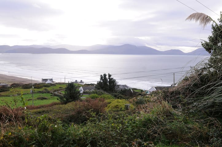 Beach House on The Wild Atlantic Way Inch,CoKerry. - Inch - Bungalov