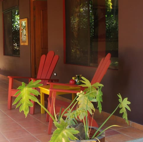 Private one bedroom home with pool. Car available. - Atenas - Haus