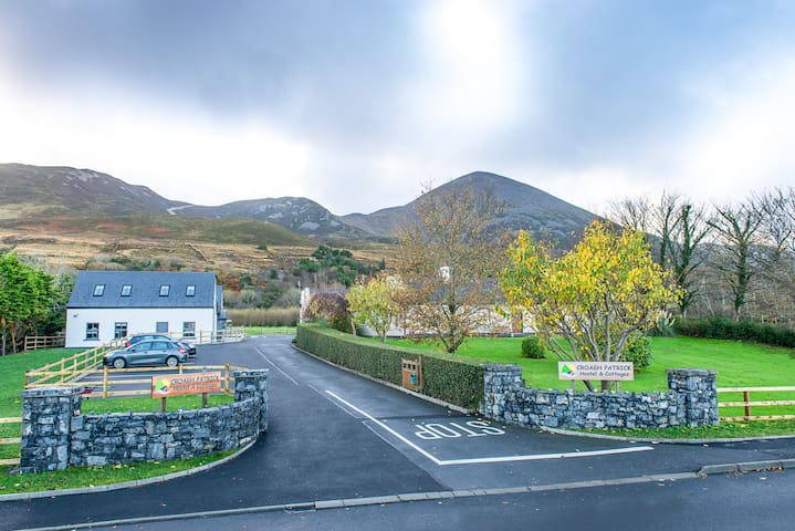 Twin En-Suite in Reek Cottage - Westport