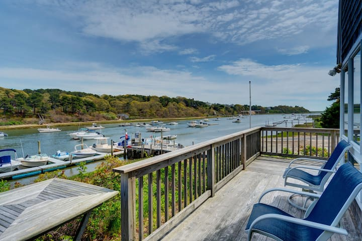 Breathtaking riverfront dog-friendly home w/ a lovely deck, close to the beach!