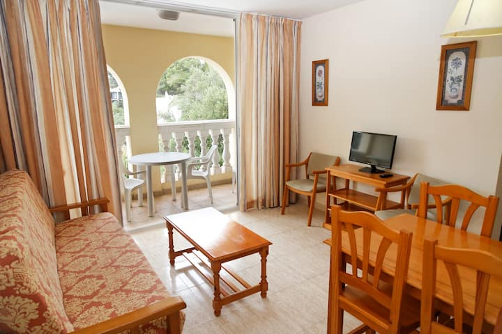 Apartment for 4 persons close to the sea