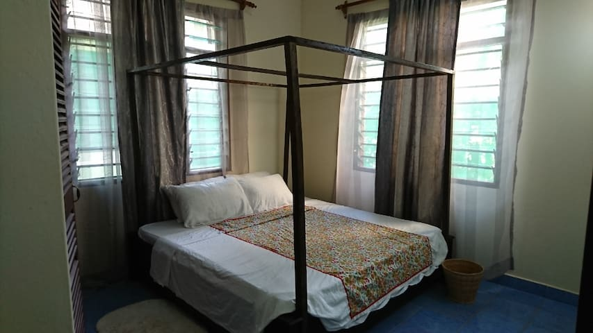 Mimi private BR along Diani Beach 2km