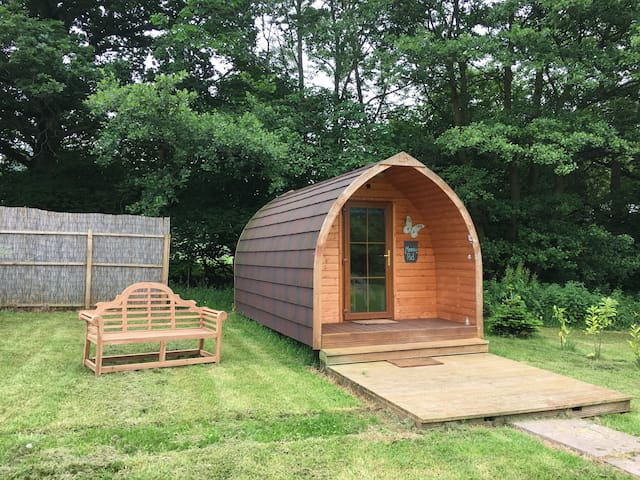Offas dyke pod with stunning mountain views