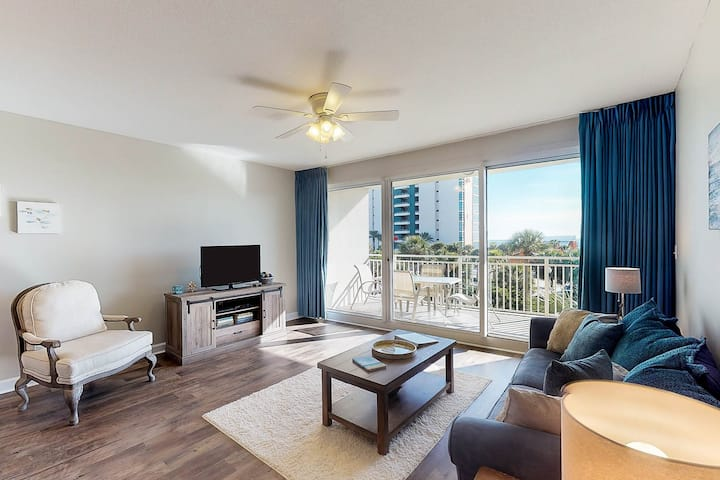 Ocean-view getaway w/three on-site pools, fitness center, & direct beach access