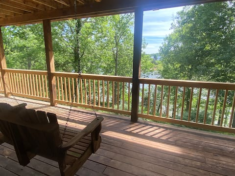 Lakefront 4 BR/3 BA Home with Wifi