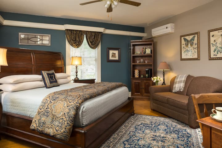 Blue Ridge Room - Andon-Reid Inn