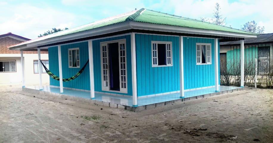 Casa na Ilha de Superagui