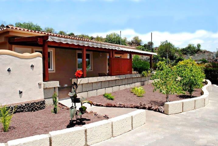 Casa Kiko  Finca Montimar in Chio,  Guia de Isora - Guía de Isora - Casa