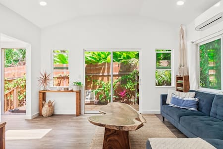 Tropical Beach House Bungalow, A/C, monthly rate