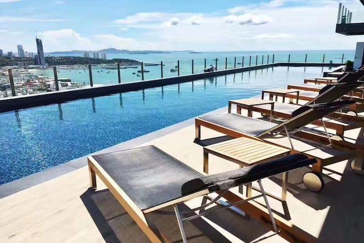 芭堤雅市中心,网红公寓打卡必到,The,Baes旅游度假胜地,俯瞰芭堤雅海景无边泳池视角绝佳
