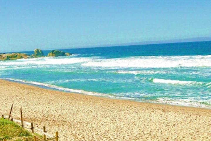 Praia Mole apto em local privilegiado